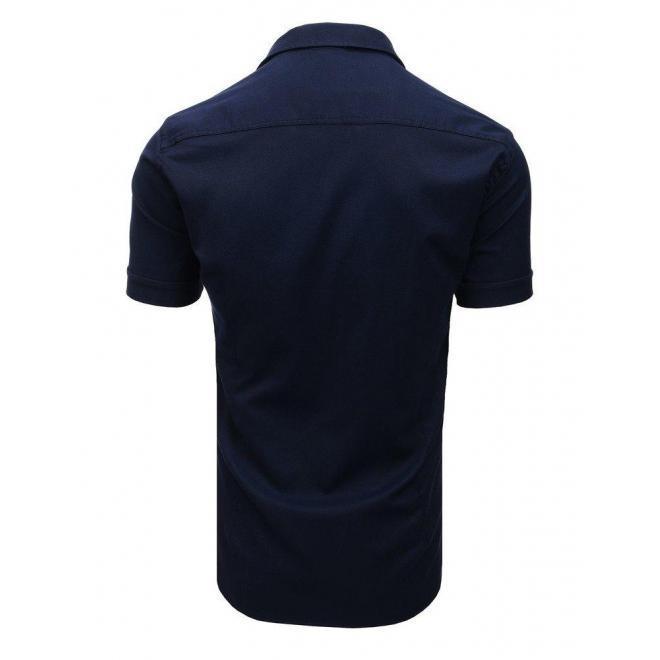 Módna pánska košeľa tmavomodrej farby s klasickým golierom