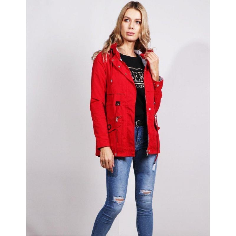 098a47d01 Prechodná dámska bunda červenej farby s kapucňou - skvelamoda.sk