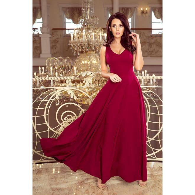 Dlhé dámske šaty bordovej farby s výstrihom