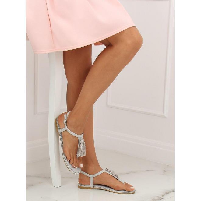Semišové dámske sandále sivej farby s ozdobnými strapcami