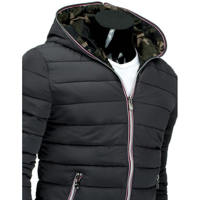 Bunda na prechodné obdobie s kapucňou v čiernej farbe