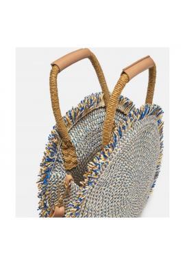 Okrúhla kabelka modrej farby so strapcami