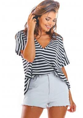 Dámske pásikavé tričko s hlbokým výstrihom v čierno-bielej farbe