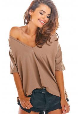 Dámske voľné tričko s hlbokým výstrihom v béžovej farbe