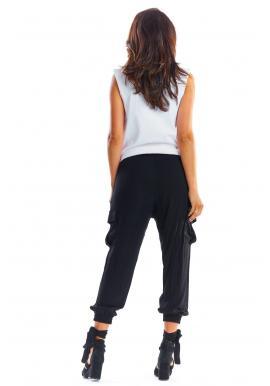 Čierne športové nohavice s voľným strihom pre dámy