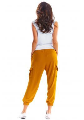 Dámske športové nohavice s voľným strihom v ťavej farbe