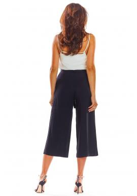 Čierne módne nohavice na leto pre dámy