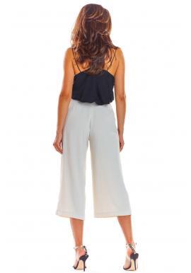 Dámske módne nohavice na leto v béžovej farbe
