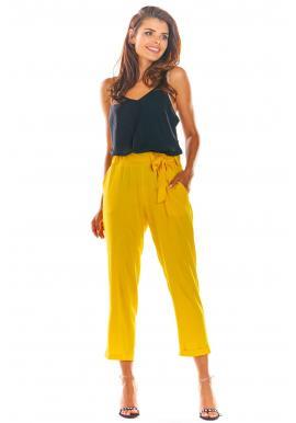 Dámske letné nohavice s voľným strihom v žltej farbe