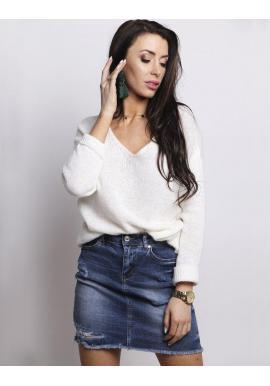 Dámsky módny sveter s výstrihom v tvare V v bielej farbe