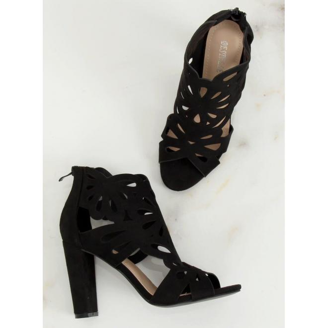 Čierne ažúrové topánky na stabilnom podpätku pre dámy