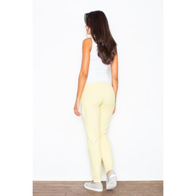 Bavlnené dámske tepláky žltej farby v jednoduchom strihu