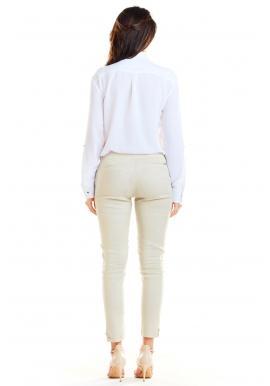 Dámska klasická košeľa s vreckami na hrudi v bielej farbe