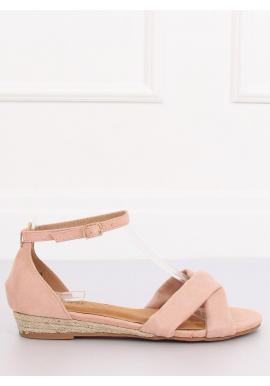 Dámske semišové sandále na nízkej platforme v ružovej farbe
