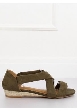 Semišové dámske sandále zelenej farby na nízkej platforme
