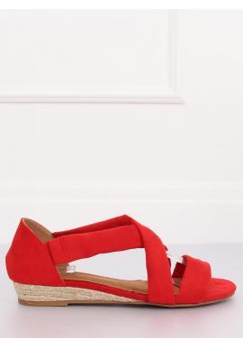 Dámske semišové sandále na nízkej platforme v červenej farbe