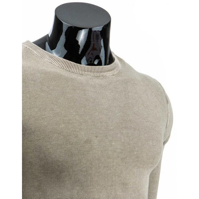 Klasický bavlnený sveter tmavomodrej farby s okrúhlym výstrihom