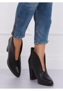 Čierne elegantné topánky na podpätku s výrezom pre dámy