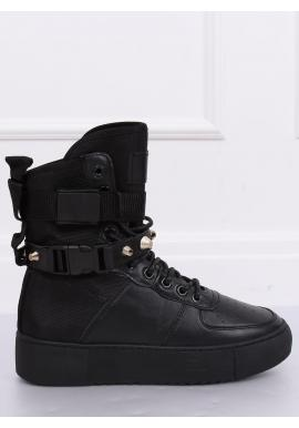 Športové dámske čižmy čiernej farby na vysokej podrážke