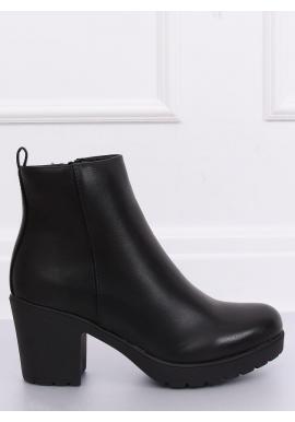 Módne dámske čižmy čiernej farby na širokom podpätku