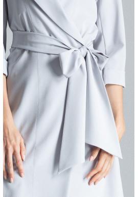 Voľné dámske šaty sivej farby s viazaním v páse