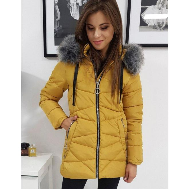 Prešívaná dámska bunda ťavej farby s kapucňou