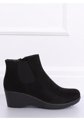 Dámske semišové topánky na klinovom opätku v čiernej farbe