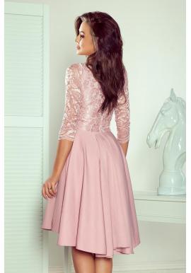 Asymetrické dámske šaty ružovej farby s čipkovaným výstrihom