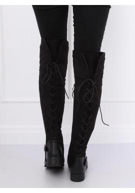 Dámske semišové čižmy nad kolená s perlami a vybíjaním v čiernej farbe