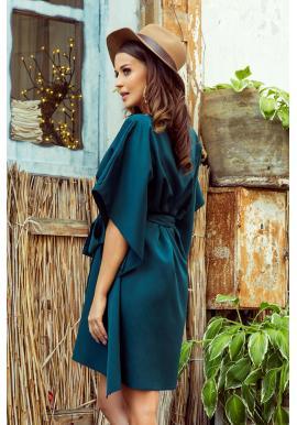 Dámske módne šaty s opaskom v zelenej farbe