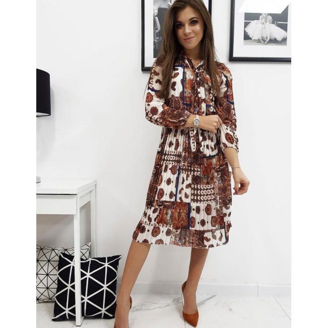 Dámske plisované šaty so vzorom v béžovej farbe