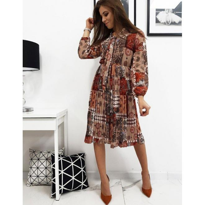 Hnedé plisované šaty so vzorom pre dámy