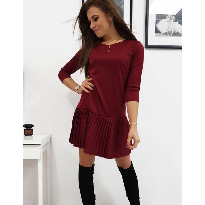 Dámske vzdušné šaty s plisovanou sukňou v bordovej farbe