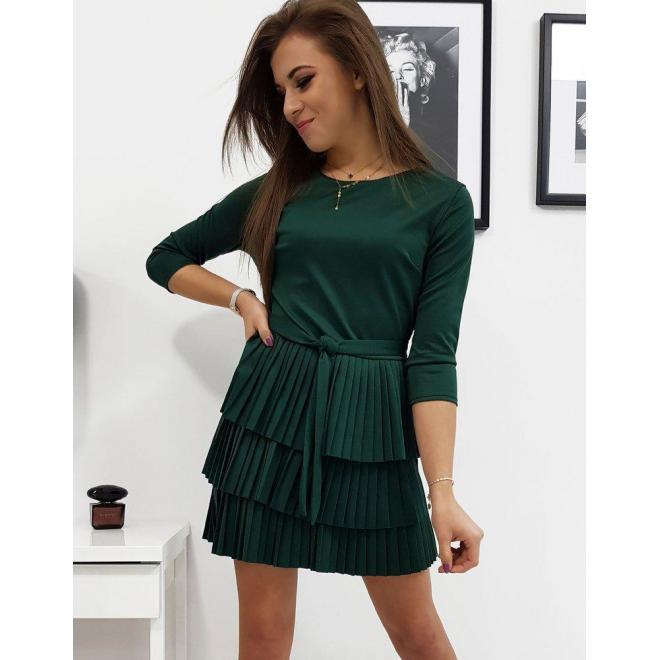 Plisované dámske šaty zelenej farby s viazaním v páse