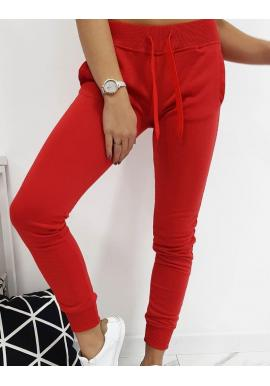 Pohodlné dámske tepláky červenej farby