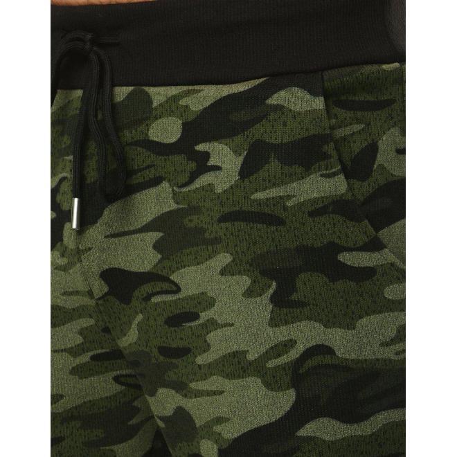Pánske maskáčové tepláky v zelenej farbe