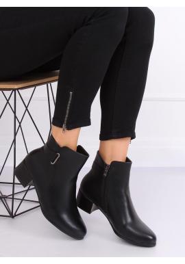 Čierne oteplené topánky na nízkom opätku pre dámy