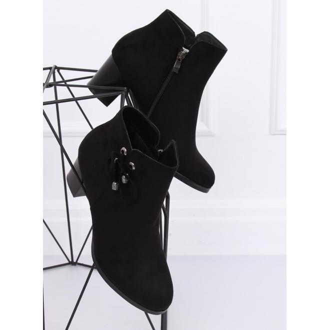 Čierne semišové čižmy na pohodlnom opätku pre dámy