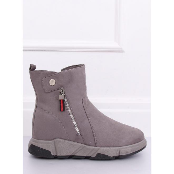 Dámske semišové topánky na vysokej podrážke v sivej farbe