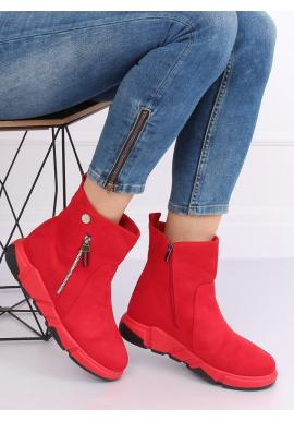 Semišové dámske topánky červenej farby na vysokej podrážke