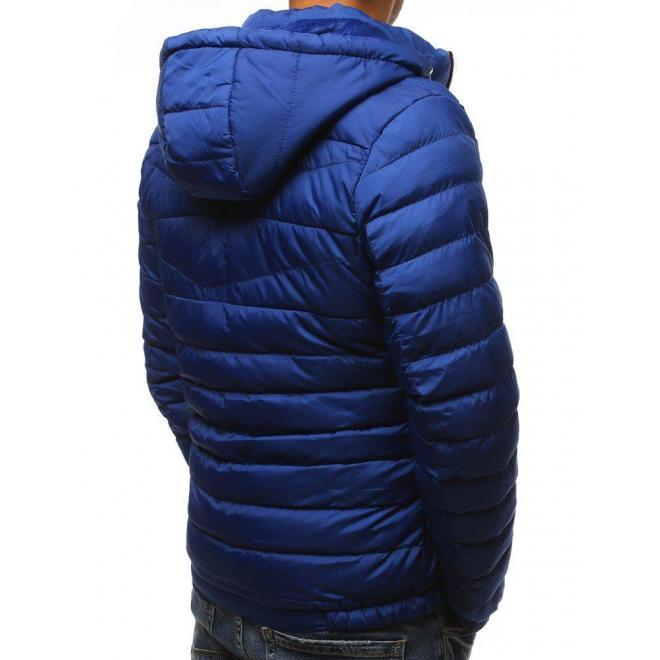 Prešívaná pánska bunda svetlomodrej farby na zimu