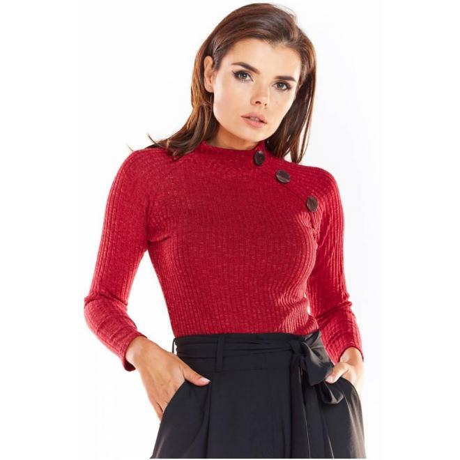 Dámsky priliehavý sveter s ozdobnými gombíkmi v bordovej farbe
