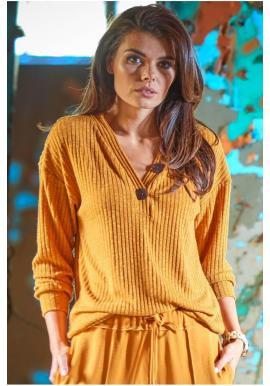 Dámsky pohodlný sveter s ozdobnými gombíkmi v ťavej farbe