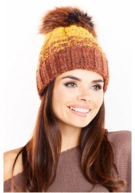 Teplá dámska čiapka žltej farby s kožušinovým pompónom