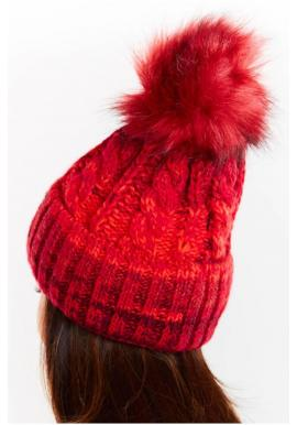 Červená teplá čiapka s kožušinovým pompónom pre dámy