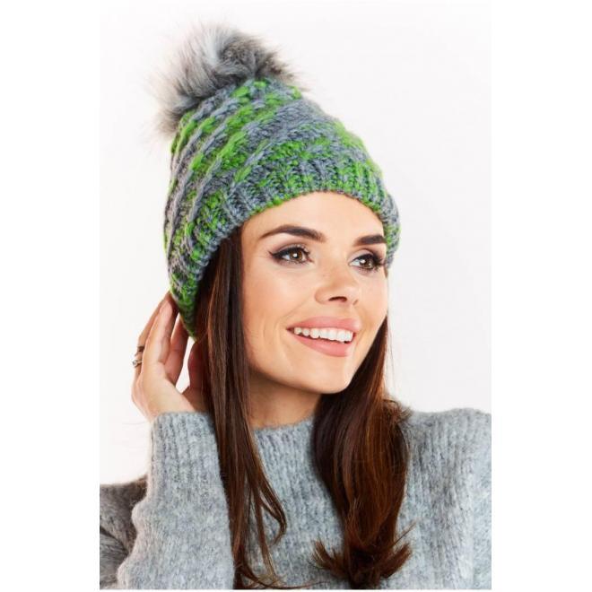Zelená teplá čiapka s kožušinovým pompónom pre dámy