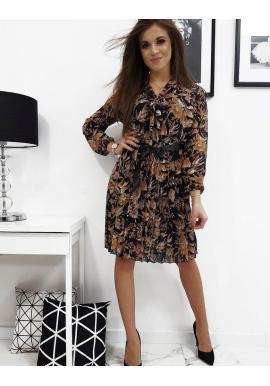 Dámske plisované šaty so vzorom v čiernej farbe