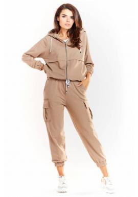 Voľné dámske nohavice béžovej farby s elastickým pásom