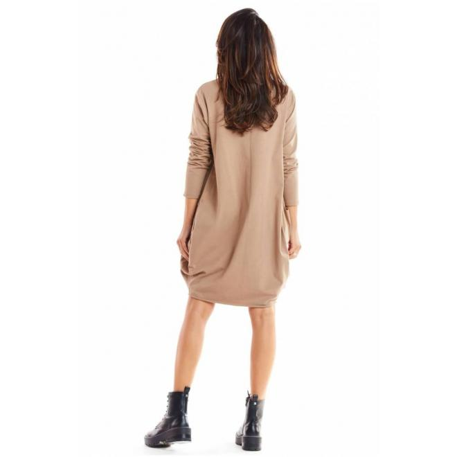 Voľné dámske šaty béžovej farby s dlhým rukávom