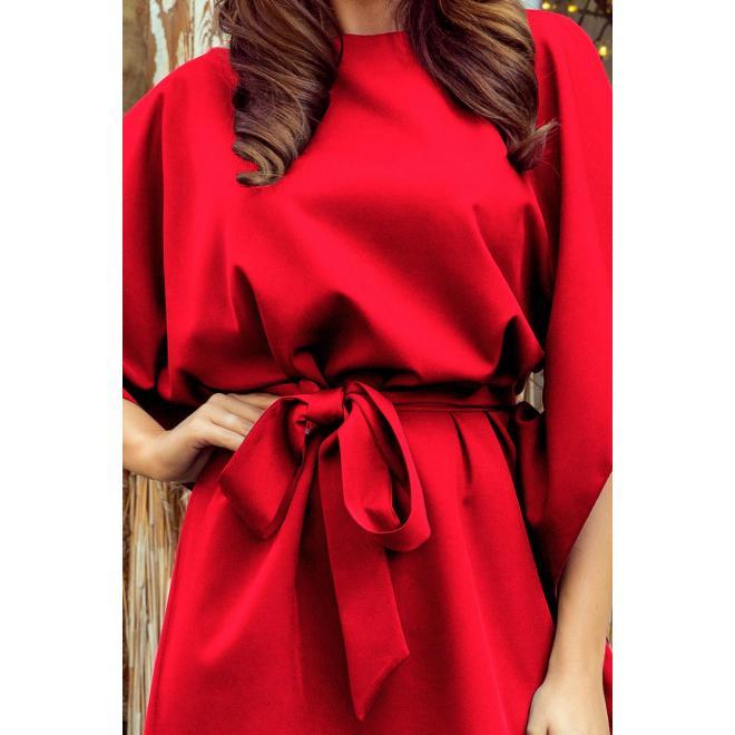 Dámske módne šaty s opaskom v červenej farbe